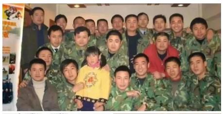 一个女孩有35个兵爸爸,背后故事让人泪目……